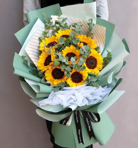 夏季鲜花采购 养护小知识必备