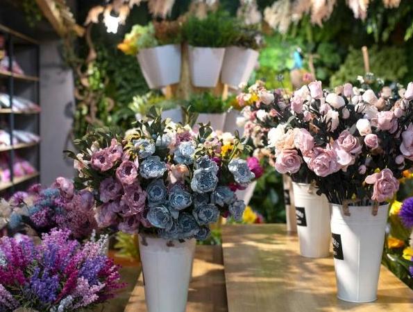 給老師送15朵康乃馨代表什么寓意    15朵康乃馨花語