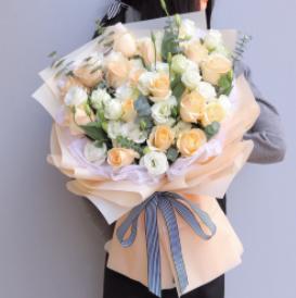 手捧花送多少朵最好呢   手捧花送新娘的注意事項