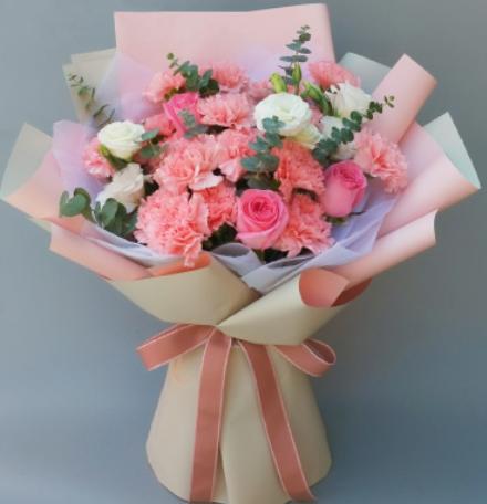 去看望产妇可以送花吗 生完孩子送花合适吗