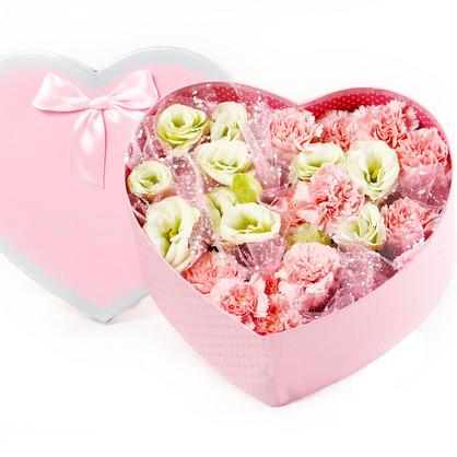 9枝康乃馨桔梗 心形精美礼盒