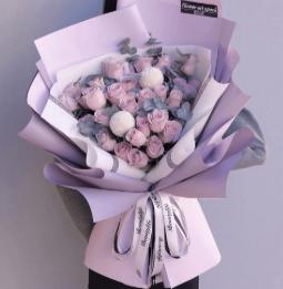 哪些花适合送给女护士   病人感谢护士送什么花