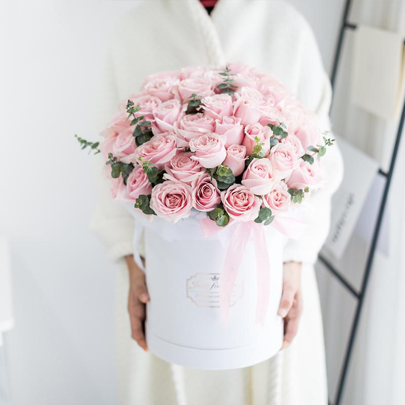 52朵粉紅雪山玫瑰抱抱桶