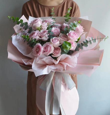 上墳為什么要送花,祭奠送花的由來是什么