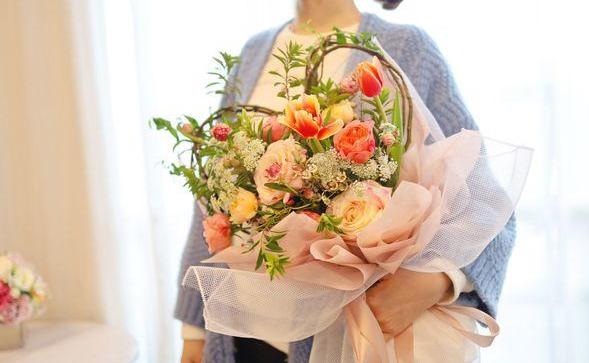 姐姐過生日送白玫瑰代表什么   有哪些含義