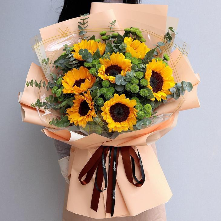 7枝向日葵韩式花束