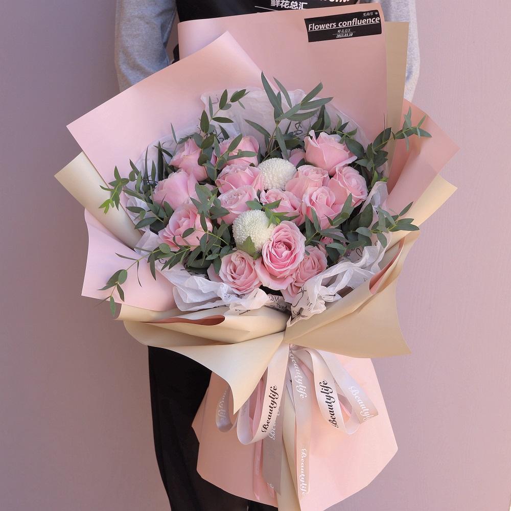 送閨蜜10朵百合花什么意思   送閨蜜10朵百合花什么寓意