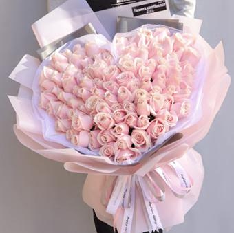 初次給女友送花送什么 適合送女友的花