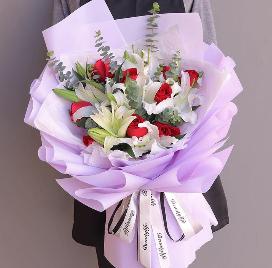 給身邊的親人送花送什么花   給身邊的親人送花送哪種花