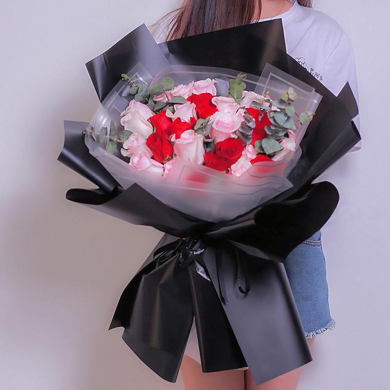 33枝红色玫瑰花束