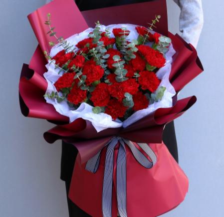 給長輩送花送什么 適合晚輩送的花