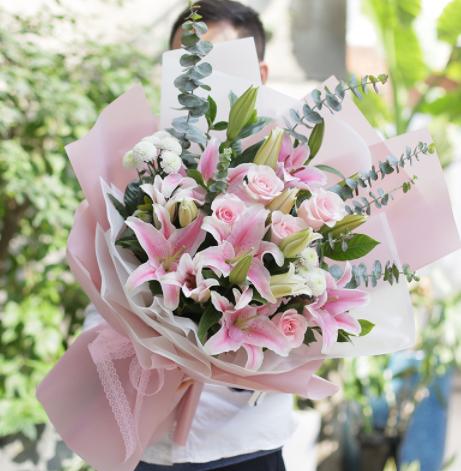 男生送花送东西就是不表白,为什么这样?