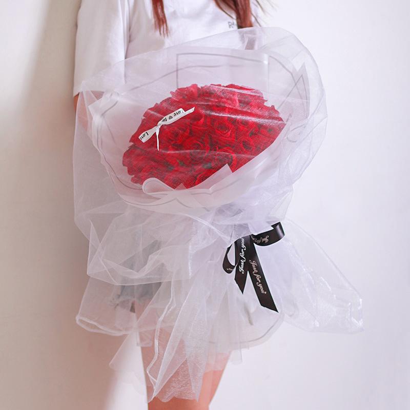 33枝紅玫瑰白紗網紅款
