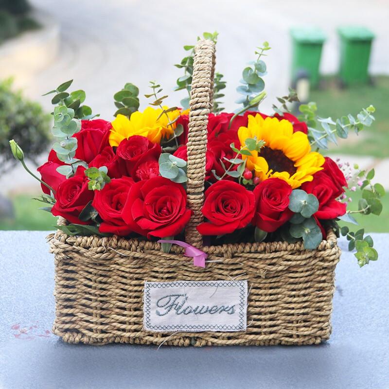 向日葵搭配红玫瑰手提花篮