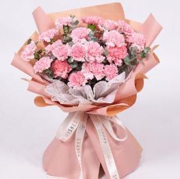 男人送女人19朵玫瑰花的含義 玫瑰花送11朵好還是19朵好
