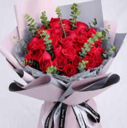 56朵玫瑰花送给女生怎么样    56朵玫瑰花送给女生行吗