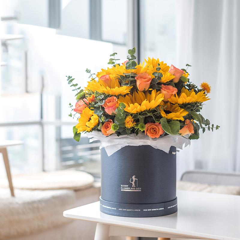 12朵向日葵+12枝玫瑰抱抱桶