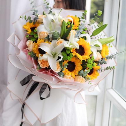 一個男人送花給女人代表什么