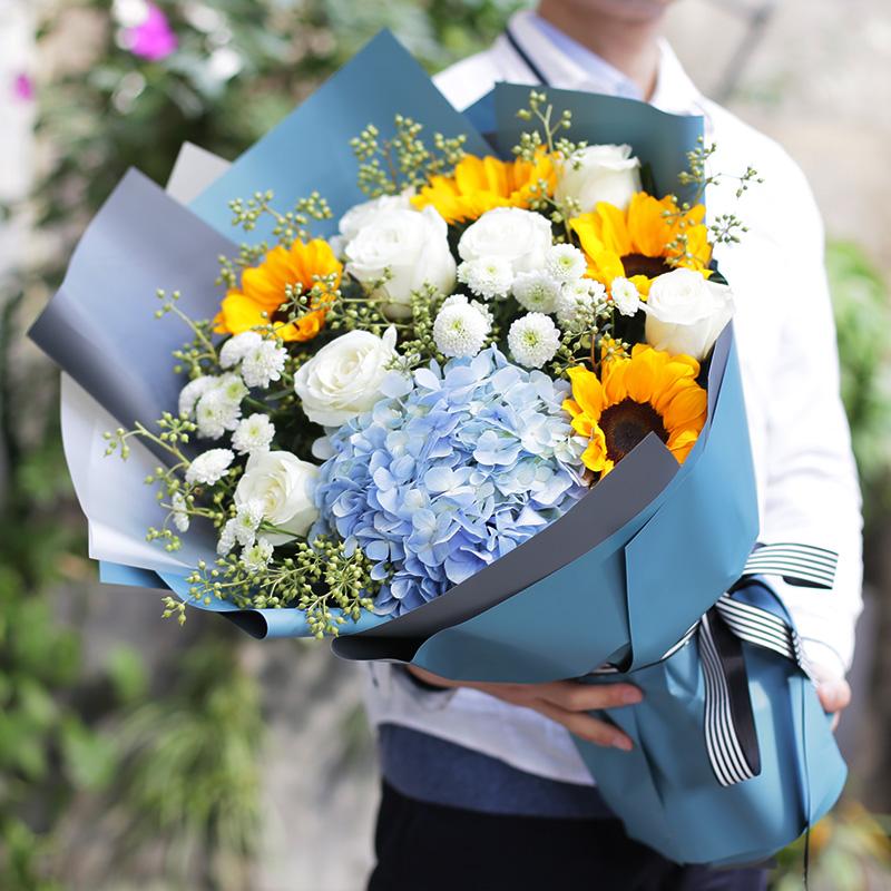 向日葵+白玫瑰混搭花束