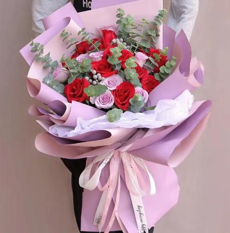 怎么委婉拒絕別人送花,送花拒絕怎么說