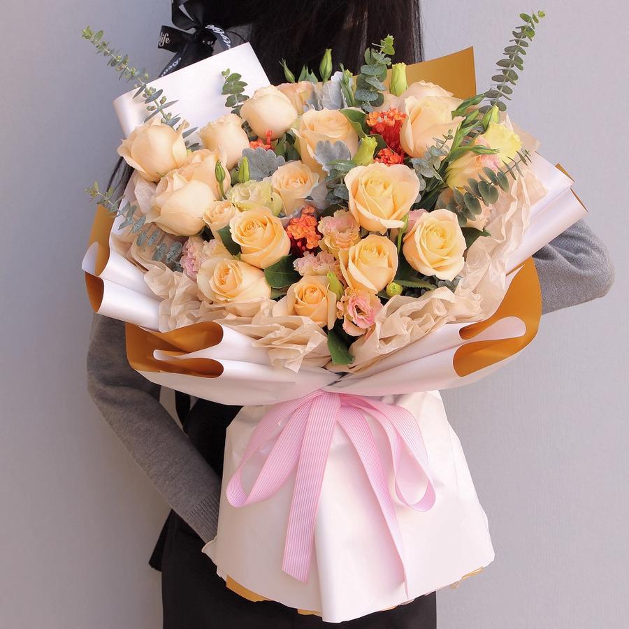 19枝香檳玫瑰韓式花束