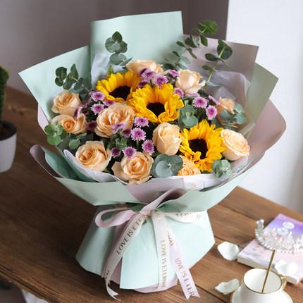 向日葵搭配香檳玫瑰花束