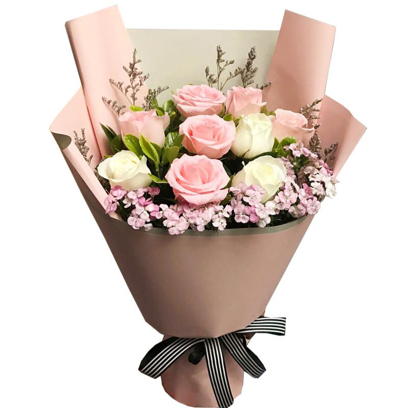 9枝玫瑰+相思梅花束
