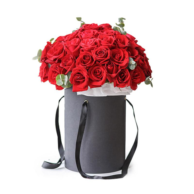 52枝紅玫瑰抱抱桶