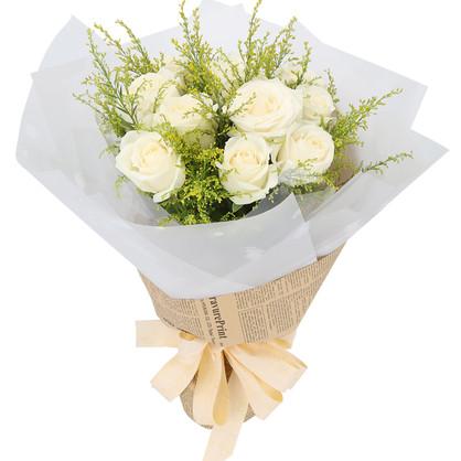 11枝白玫瑰花束 搭配黄莺