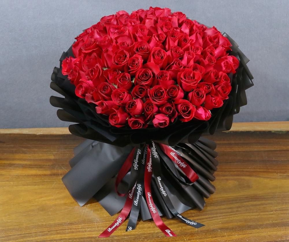 卡罗拉99朵红玫瑰大花束