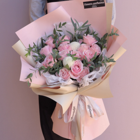 情人節買了禮物還要送花嗎?