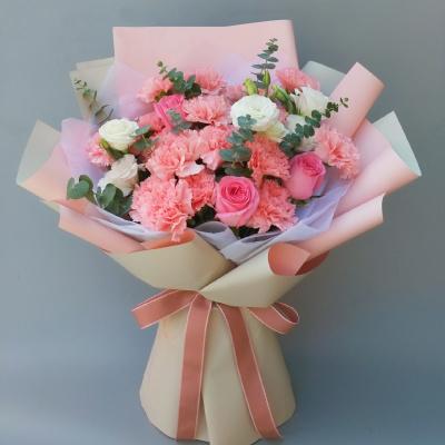 19枝粉色康乃馨韓式花束