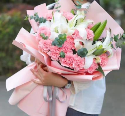 妈妈50岁生日送什么花 适合母亲生日送的花