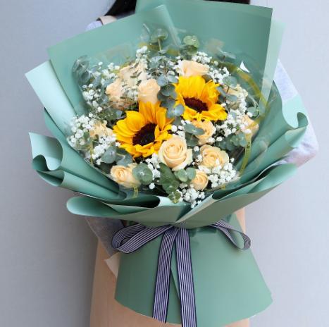 给人送花,向日葵代表什么意思?