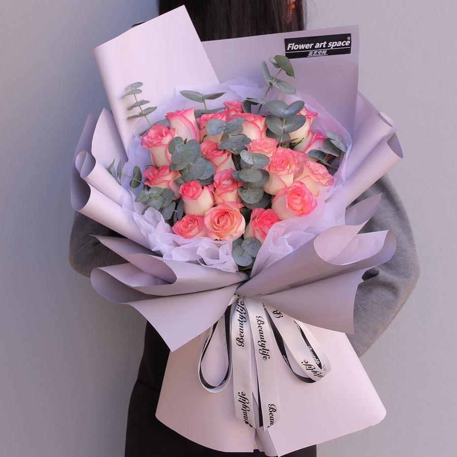 爱莎玫瑰韩式花束