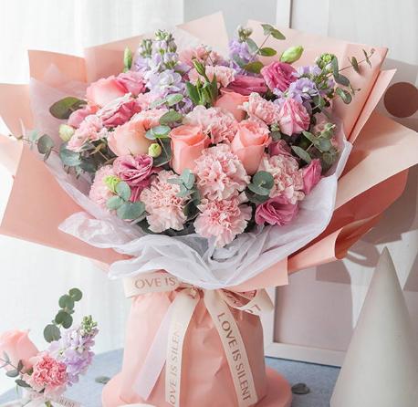 送花一般寫什么字在里面,送花祝福應當寫什么