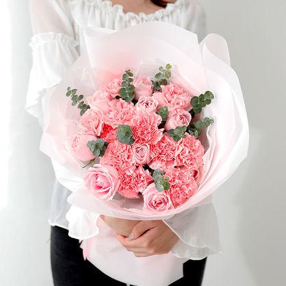11枝康乃馨+粉玫瑰花束