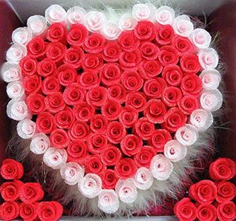 给初恋送花卡片怎么选 送初恋的花推荐